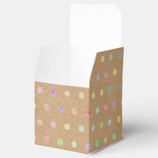 Lunares coloridos en falso fondo del papel de cajas para regalos