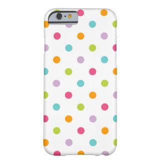 Lunares coloridos femeninos lindos funda para iPhone 6 barely there
