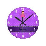 Lunares conocidos personalizados de la púrpura de  reloj de pared