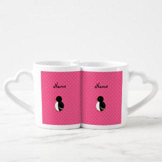 Lunares conocidos personalizados del rosa del taza para enamorados