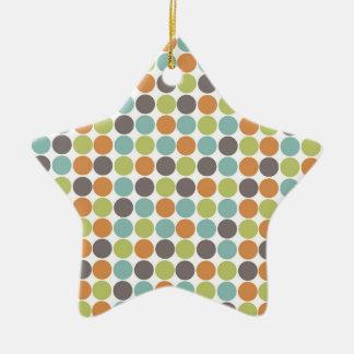 Lunares de color topo anaranjados quemados verde adorno de cerámica en forma de estrella