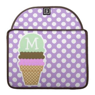 Lunares de la púrpura de la lavanda; Cono de helad Fundas Para Macbooks