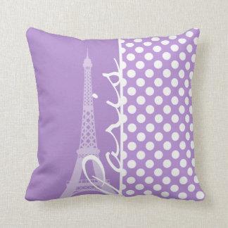 Lunares de la púrpura de la lavanda; París Cojín Decorativo