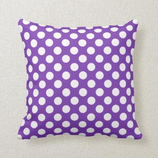 Lunares de la púrpura de la uva cojines