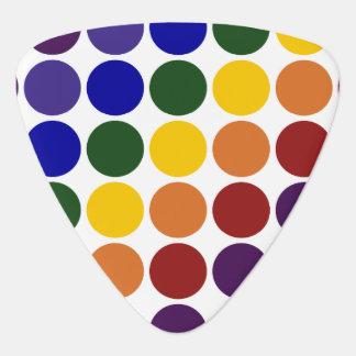 Lunares del arco iris en blanco plectro