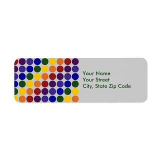 Lunares del arco iris en etiqueta gris del remite etiquetas de remite