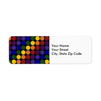 Lunares del arco iris en etiqueta negra del remite etiqueta de remitente