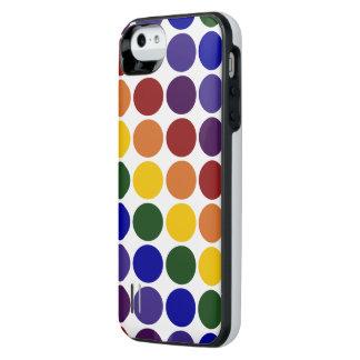 Lunares del arco iris en fondo transparente funda con bateía para iPhone SE/5/5s
