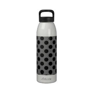 Lunares del carbón de leña y del negro botellas de agua reutilizables