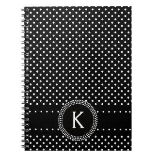 Lunares en blanco y negro con el círculo de la MOD Note Book