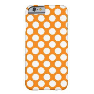 Lunares en el naranja funda de iPhone 6 barely there