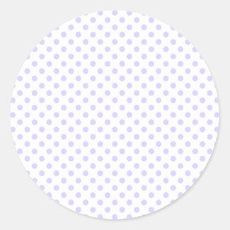 Lunares - lavanda pálida en blanco pegatina redonda