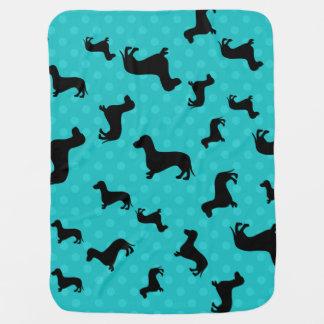 Lunares negros de la turquesa del dachshund mantas de bebé