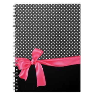 Lunares negros femeninos y arco rosado de neón libros de apuntes con espiral