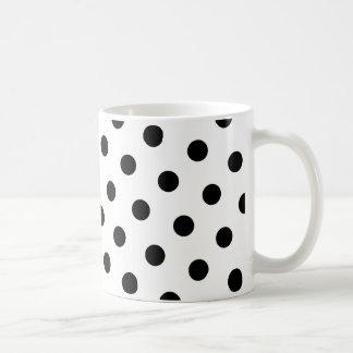 Lunares negros taza básica blanca