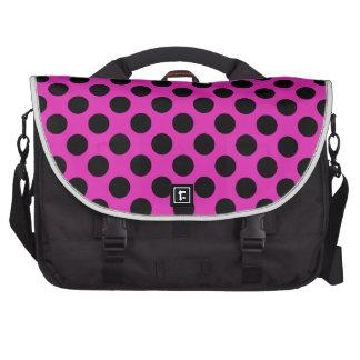 Lunares negros y rosados bolsa de ordenador