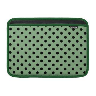 Lunares oscuros de la verde menta y del negro funda macbook air