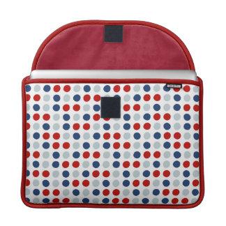 Lunares patrióticos del rojo, blancos y azules fundas macbook pro