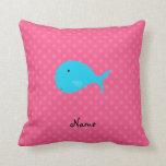 Lunares personalizados del rosa de la ballena de almohada