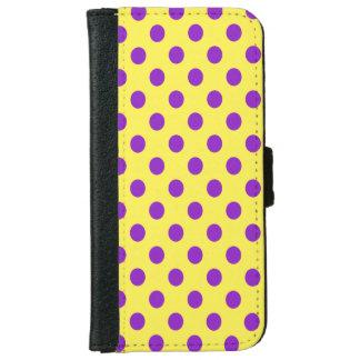 Lunares púrpuras de DIY en cualquier color Carcasa De iPhone 6