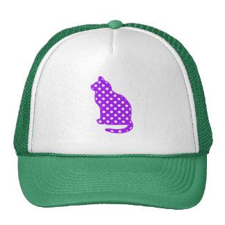Lunares púrpuras y blancos que sientan el gato gorras