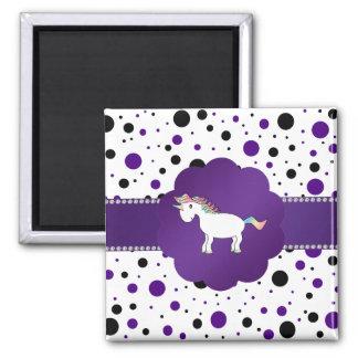 Lunares púrpuras y negros del unicornio imán cuadrado