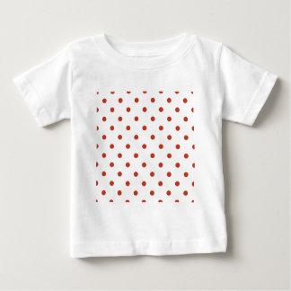 Lunares - rojo en colores pastel oscuro en blanco playera para bebé