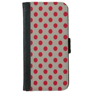 Lunares rojo oscuro de DIY en cualquier color Carcasa De iPhone 6