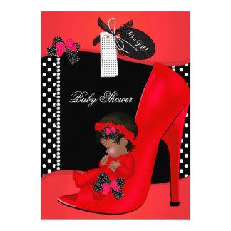 """Lunares rojos 2B del zapato de bebé del chica de Invitación 5"""" X 7"""""""