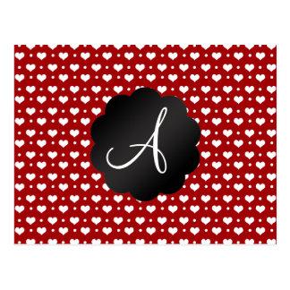 Lunares rojos de los corazones del monograma postal