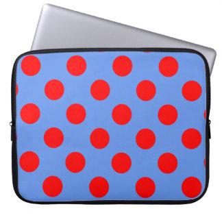 Lunares rojos grandes en azul del Cornflower Mangas Computadora