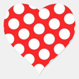 Lunares rojos y blancos grandes pegatina en forma de corazón