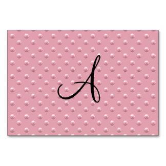 Lunares rosados bonitos de la perla del monograma