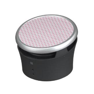 Lunares rosados con el fondo adaptable altavoz bluetooth