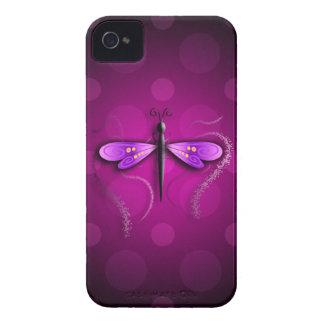 ¡Lunares rosados de la mosca del dragón iPhone 4 Funda