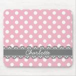 Lunares rosados de moda y cordón gris alfombrilla de raton