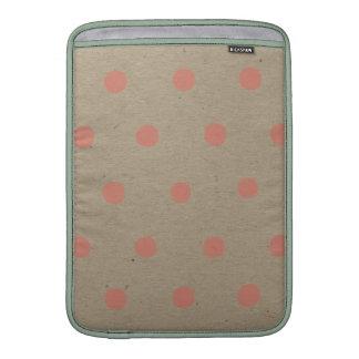 Lunares rosados en el vintage natural Brown mancha Funda Macbook Air
