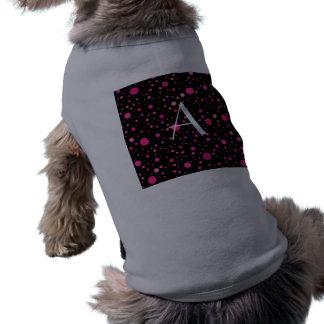 Lunares rosados negros del monograma camisa de perrito