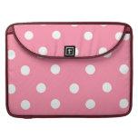 Lunares rosados y blancos funda para macbooks