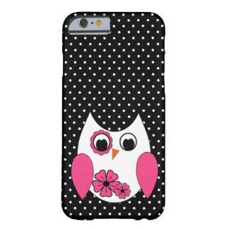 Lunares rosados y blancos lindos del búho funda de iPhone 6 barely there