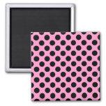 Lunares rosados y negros imán para frigorífico