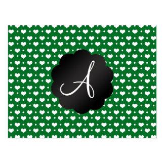 Lunares verdes de los corazones del monograma postal