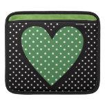 Lunares verdes del corazón funda para iPads