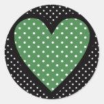 Lunares verdes del corazón pegatina redonda