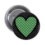 Lunares verdes del corazón pin