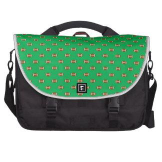 Lunares verdes del fútbol bolsas para ordenador