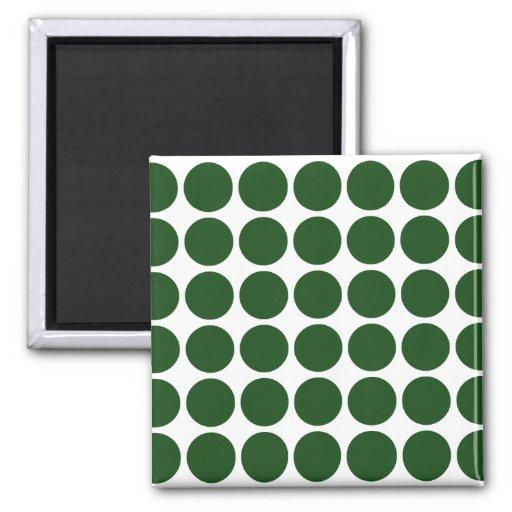 Lunares verdes en blanco imán de frigorifico