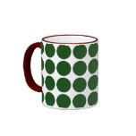 Lunares verdes en blanco taza