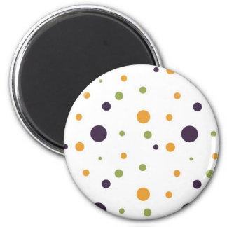 Lunares verdes y negros anaranjados imán redondo 5 cm