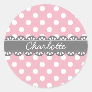 Lunares y cordón rosados de moda etiqueta redonda